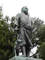 上野公園に立つ西郷さん